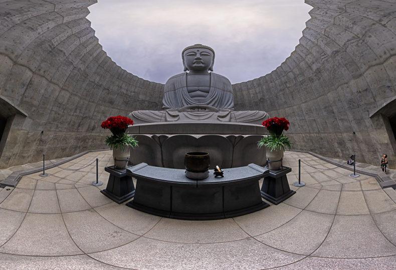 滝野霊園 頭大仏殿 Hill of the Buddha